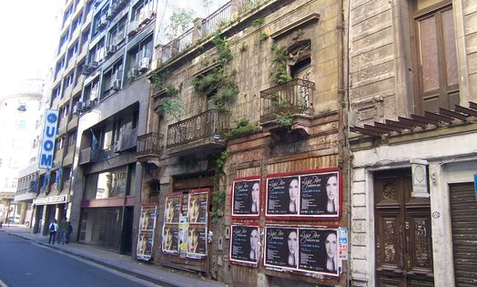 Abandoned building on calle Alsina in Monserrat, Buenos Aires