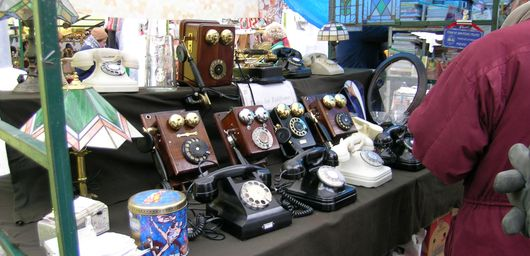 Antique telephones at the Feria de San Telmo