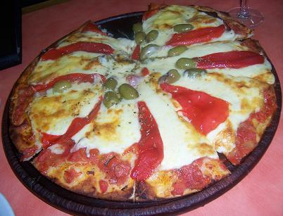 Pizza Especial con jamon y morrones at Guerrin Pizzeria