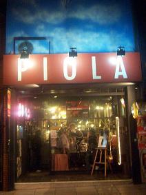 Outside Pizzeria Piola, City Center