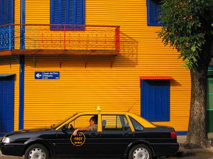 Great picture of a taxi near Caminito