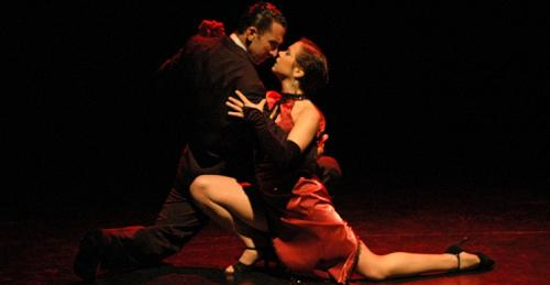 Tango dancers at the Piazzolla Tango show