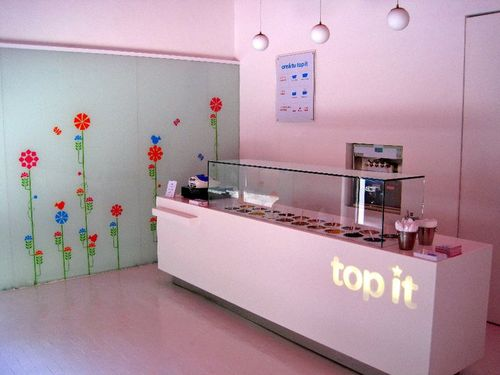 Top-it-frozen-yoghurt